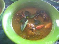 Sambut Ramadan Ikan Asap Khas Sidoarjo Disajikan di Resto Ini