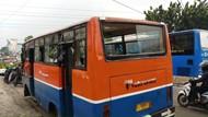 Polisi Kejar Sopir Metro Mini yang Tabrak Separator di Mampang