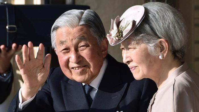 Kaisar Akihito akan menjadi monarki Jepang pertama yang secara sukarela turun tahta sejak 1817 (Getty Images)