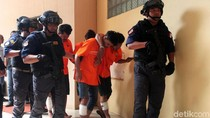 Polisi Tembak Tujuh Perampok Bersenpi, Tiga Tewas