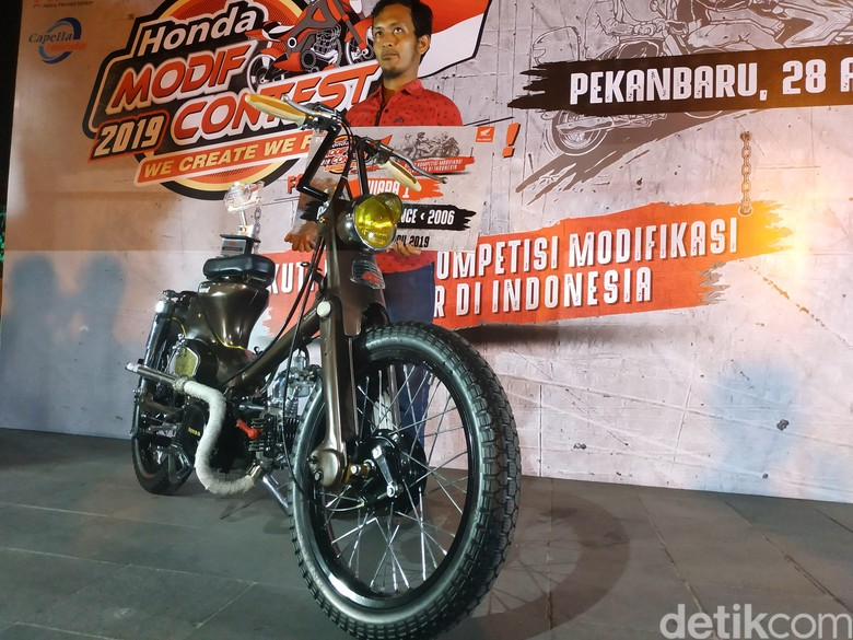Tomcat, modifikasi motor dari barang rongsokan. Foto: Ridwan Arifin