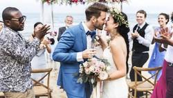 Survei: 76% Orang Tak Mau Datang ke Nikahan Mantan, Ini Alasannya