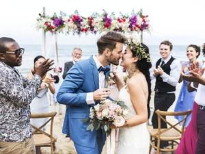 Jadi Destinasi Favorit, Ada 16 Ribu Pasangan Menikah di Bali Dalam Setahun