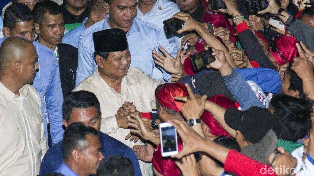 Di Depan Massa Buruh, Prabowo Kritik Elite Kaya di RI