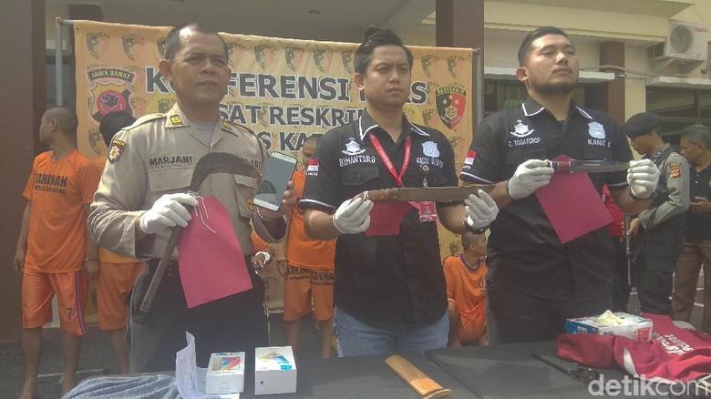 Polisi Bekuk Empat Perampok Spesialis Minimarket di Karawang