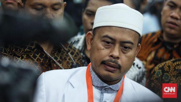Slamet Ma'arif, Jubir FPI sekaligus Ketua Umum PA 212, menyebut SKT FPI terhambat rekomendasi Kemenag.
