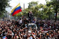 Karut Marut di Venezuela: Kudeta Digagalkan, Oposisi Turun ke Jalan