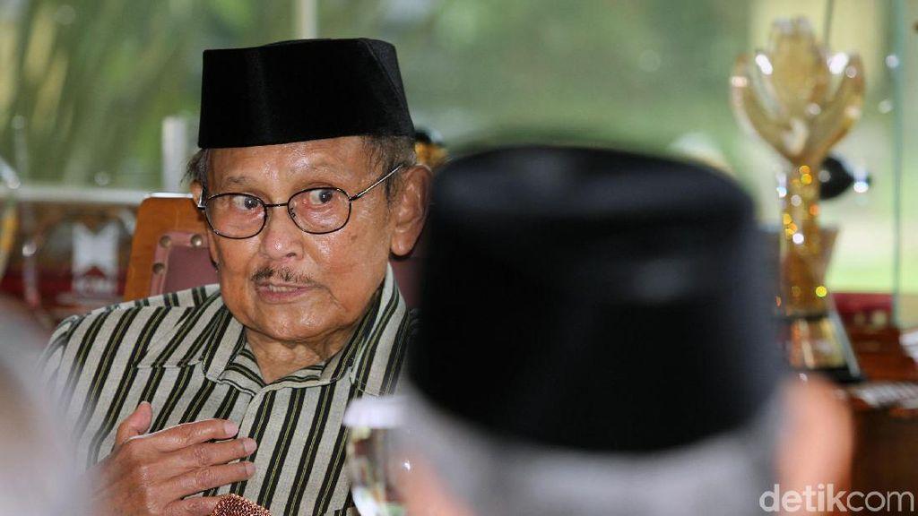 Ketika Tokoh Suluh Kebangsaan Kumpul di Rumah BJ Habibie