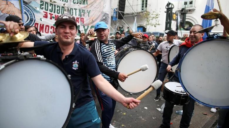 Serikat Buruh di Argentina Mogok Kerja Tolak Kenaikan Pajak