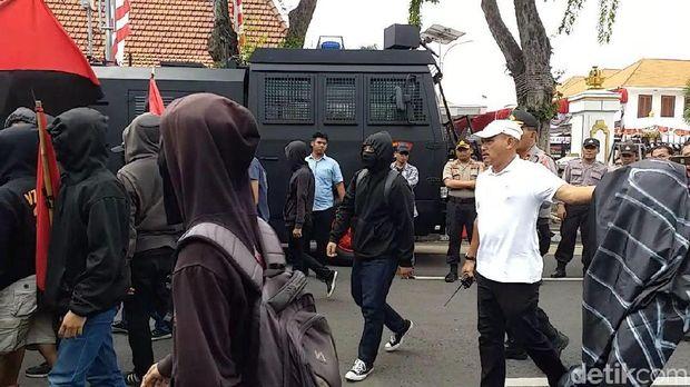 May Day di Surabaya /