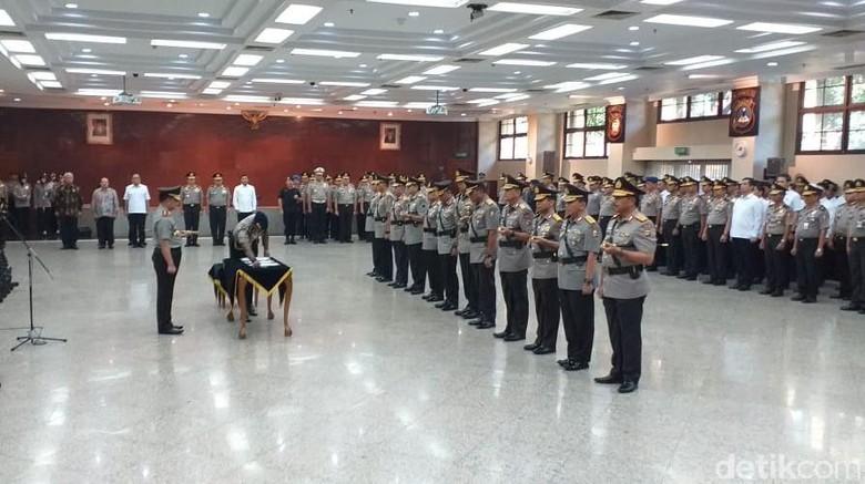 Kapolri Pimpin Upacara Sertijab Irwasum, Kabaharkam dan Kabaintelkam