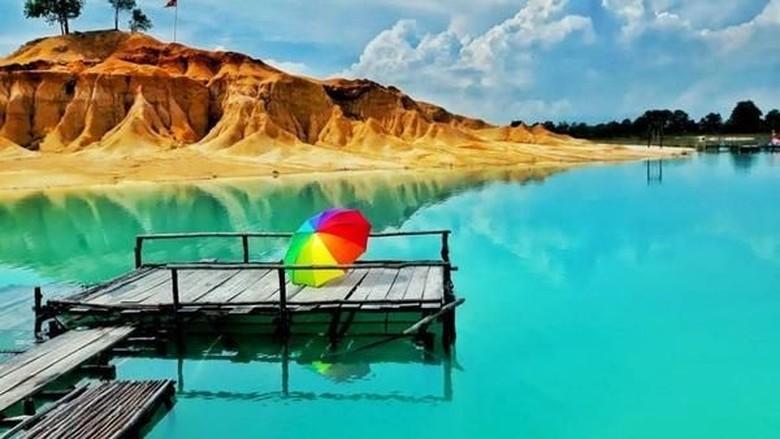 Danau Biru Gusung Pasir Bintan