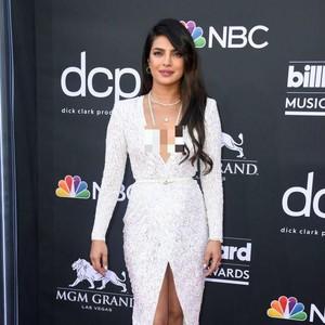 Perdana ke Cannes, Gaya Priyanka Chopra Terinspirasi Putri Diana