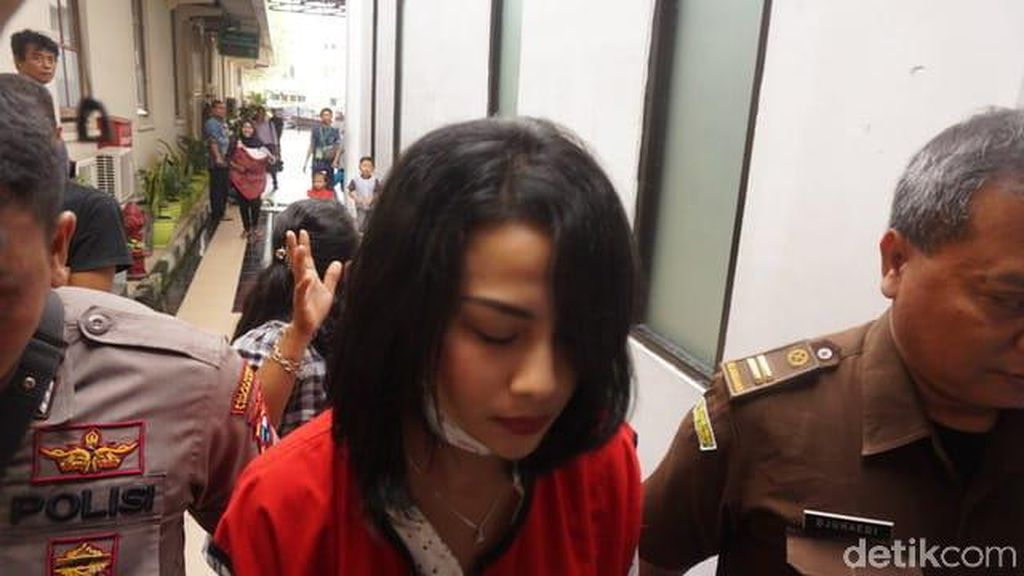 Direncanakan Besuk, Ternyata Ayah Vanessa Angel Batal ke Rutan Medaeng