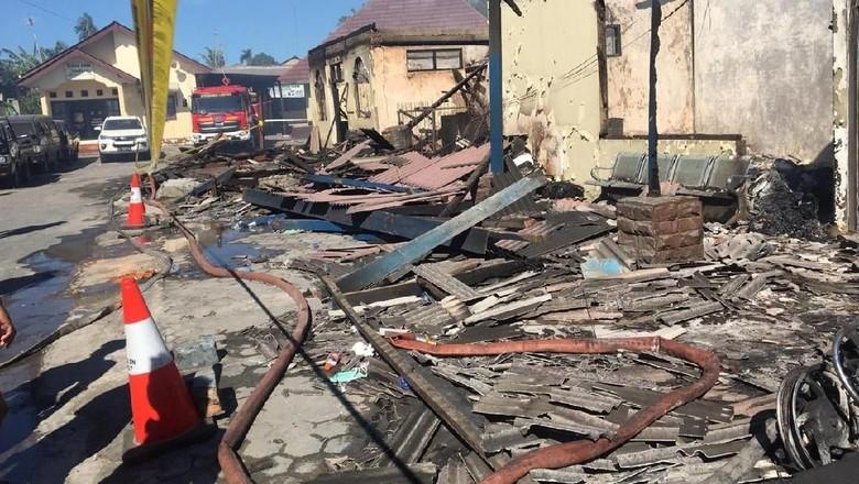 Imbas Kebakaran Hebat, Pelayanan Polres Lampung Selatan Dipindah ke Pemda