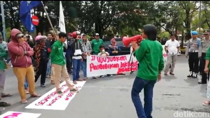 Mahasiswa Demo di Maros (Foto: Bakrie/detikcom)