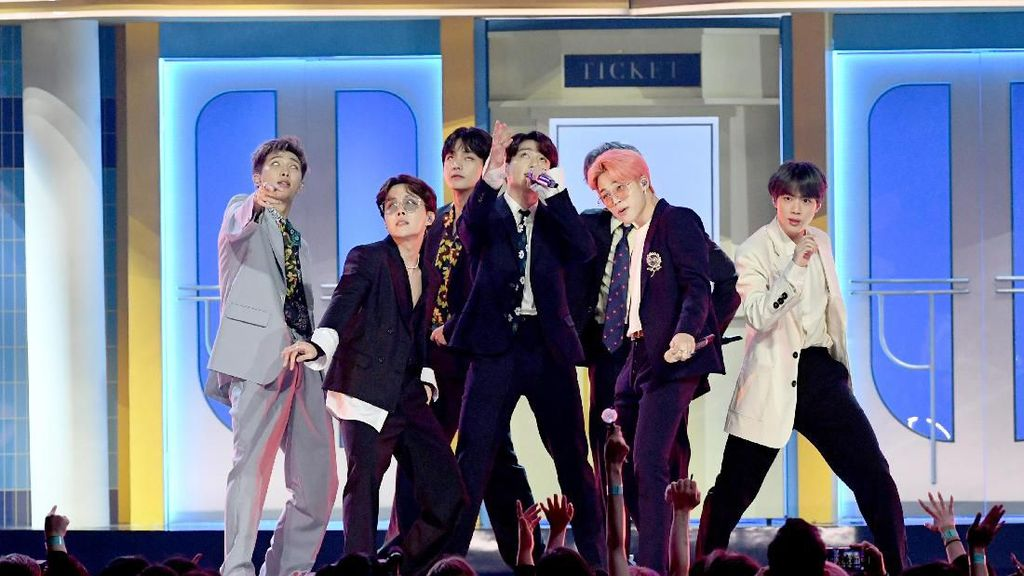 BTS Raih Sertifikasi Platinum di AS Lewat Boy With Luv