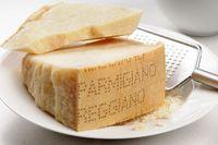 Sama-sama Gurih Enak, Ini Bedanya Keju Parmesan dan Parmigiano-Reggiano