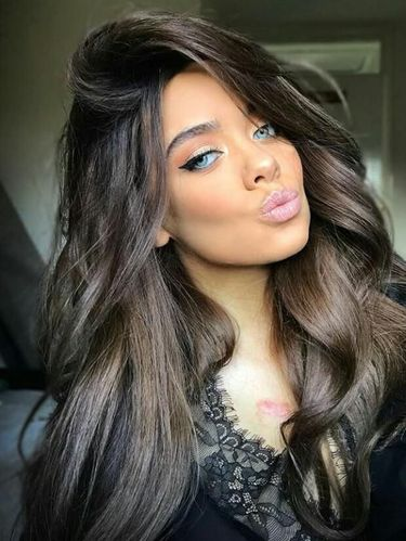 Beauty blogger Inggris Cassidy Valentine.