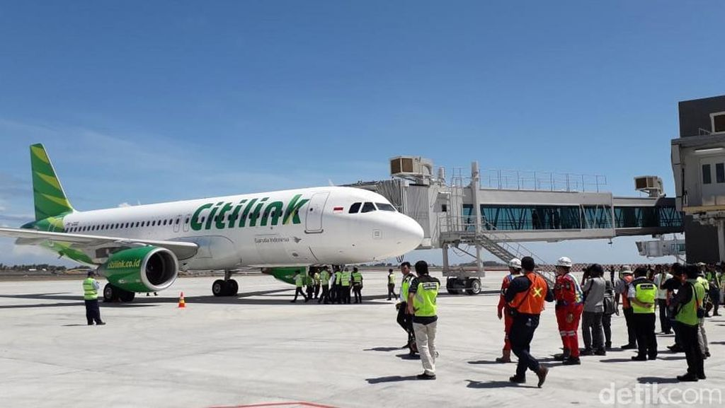 Mulus, Pesawat Airbus Mendarat Perdana di Bandara Baru DIY