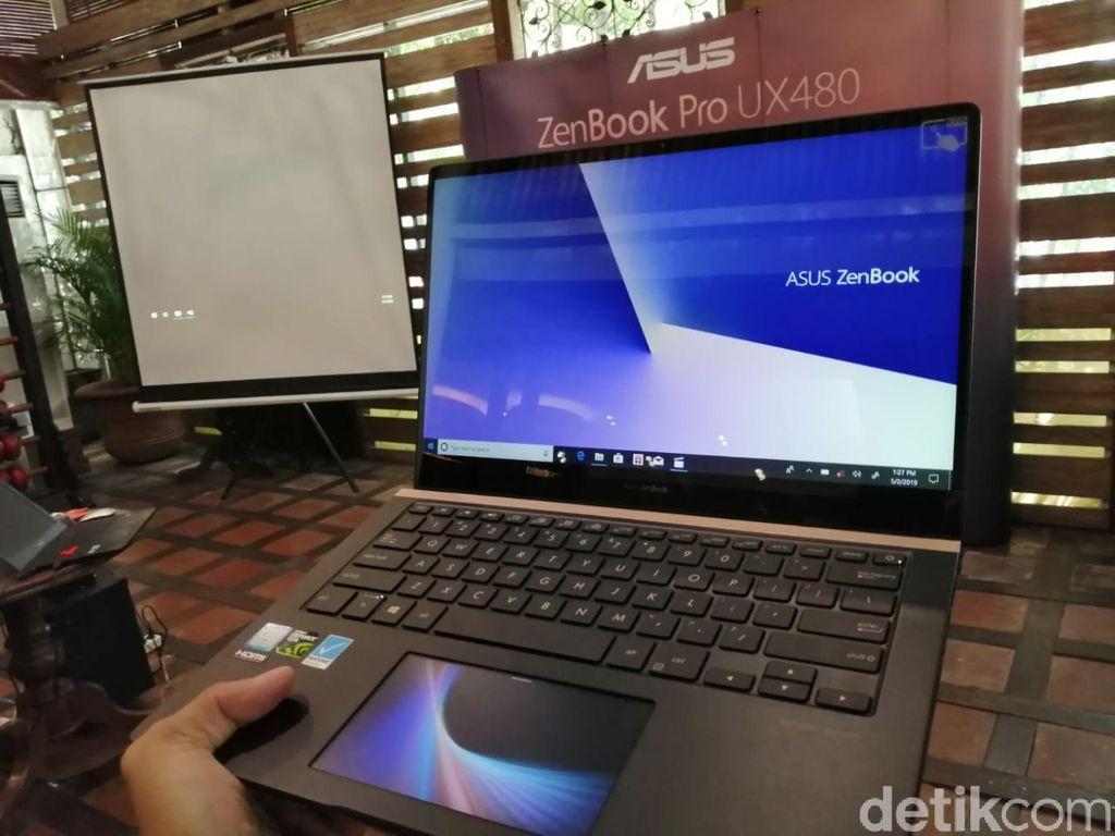 Asus memperkenalkan seri laptop ZenBook Pro anyarnya dalam diri ZenBook Pro 14 UX480 dengan harga Rp 26.999.000. (Foto: detikINET/Muhamad Imron Rosyadi)
