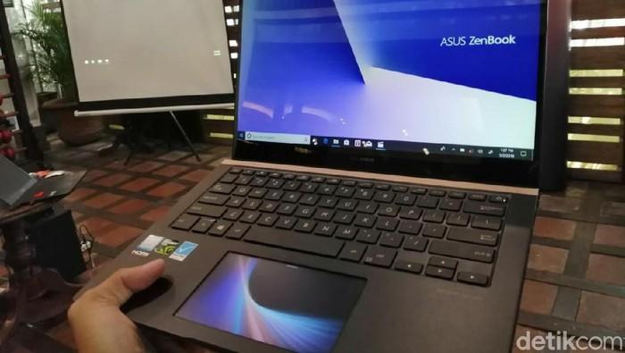 Laptop Asus. Foto: detikINET/Muhamad Imron Rosyadi
