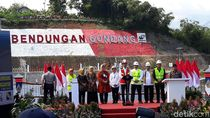 Di Depan Jokowi, Bupati Karanganyar Pamer Paslon 01 Raup 80% Suara