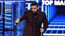 Drake Dicemooh Penonton saat Manggung, Ada Apa?