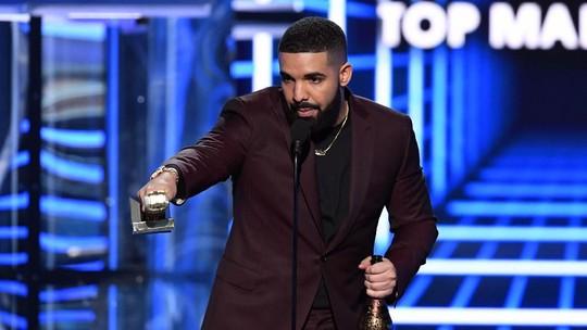 Pecahkan Rekor Piala Terbanyak, Drake Dedikasikan untuk Arya Stark
