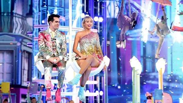 Taylor Swift dan Brandon Urie Bawa Karnaval ke BBMAs 2019