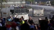Pendukung Oposisi Venezuela Gelar Protes Usai Upaya Kudeta, 1 Wanita Tewas
