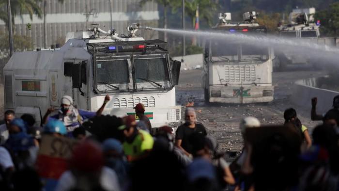 Situasi saat upaya kudeta di Venezuela, pekan lalu (REUTERS/Ueslei Marcelino)