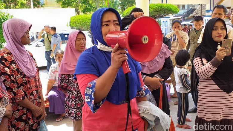 Bantuan Perbaikan Rumah Akibat Bom Teroris Sibolga Belum Cair, Warga Demo