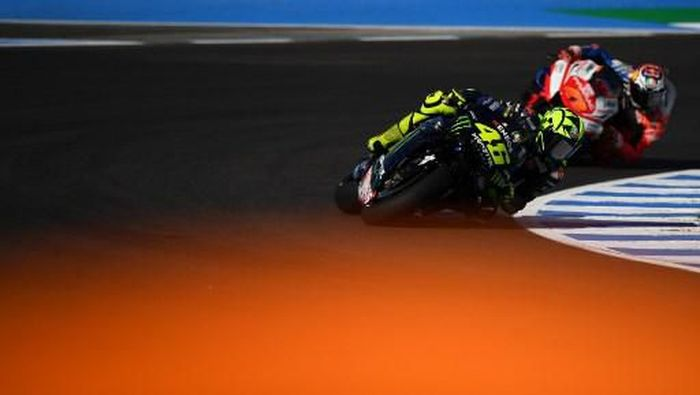 Monster Energy Yamahas Italian rider Valentino Rossi rides during the first MotoGP free practice session of the Spanish Grand Prix at the Jerez - Angel Nieto circuit in Jerez de la Frontera on May 3, 2019. (Photo by GABRIEL BOUYS / AFP)