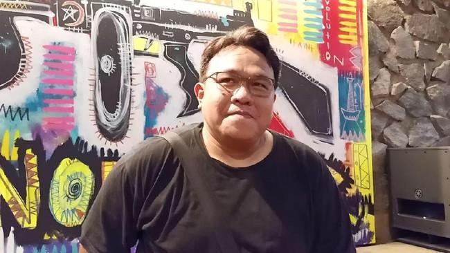 Tanggapan Luhut hingga Sandiaga soal Film Bikinan Dandhy Laksono