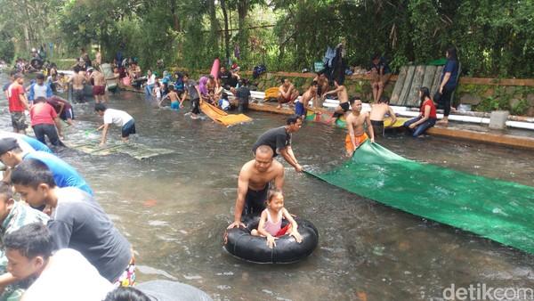 Cukup mudah untuk menuju lokasi Sungai Muncul. Dari Ambarawa bisa ditempuh dengan waktu 25 menit (Aji Kusuma/detikcom)