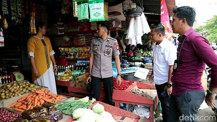 Menanggapi kenaikan harga rempah yang terus melonjak, pihak Kepolisian Unit Ekonomi Polres Bone melakukan sidak di Pasar Sentral Palakka.