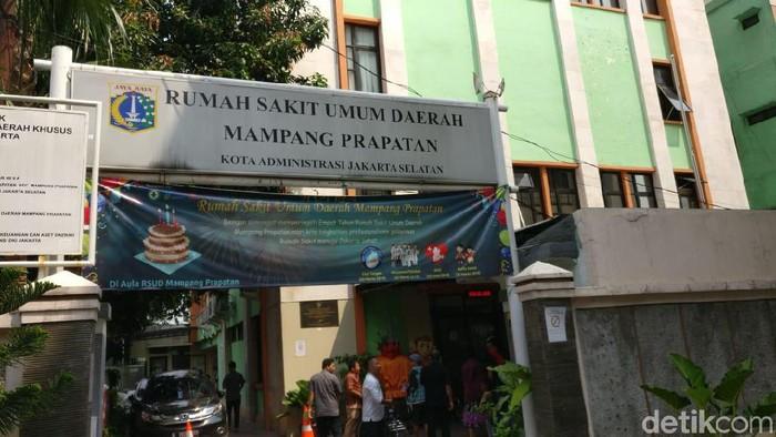 RSUD Mampang tetap melayani pasien BPJS Kesehatan meski sudah putus kontrak. (Foto: Firdaus/detikHealth)