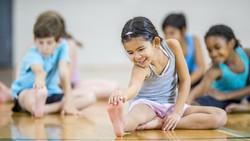 Saran Dokter untuk Membiasakan Anak Olahraga Sejak Dini