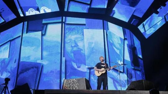 Ngamen Berkelas ala Ed Sheeran di GBK