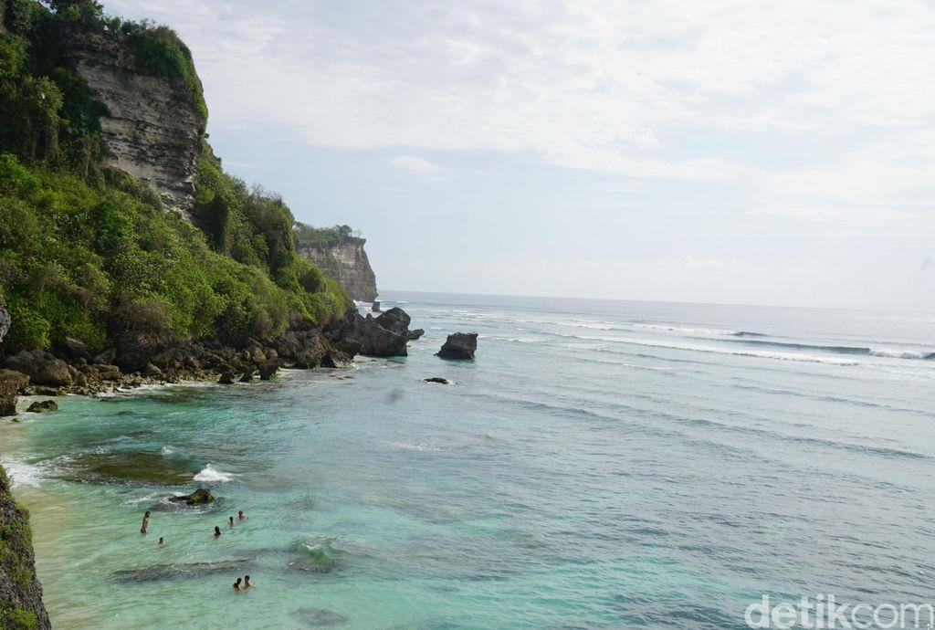 Pantai Suluban Bali