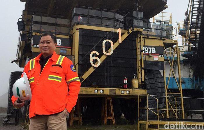 Menteri Energi dan Sumber Daya Mineral (ESDM) Ignasius Jonan hari ini berkunjung ke tambang emas dan tembaga Grasberg di Papua yang dikelola PT Freeport Indonesia (PTFI).