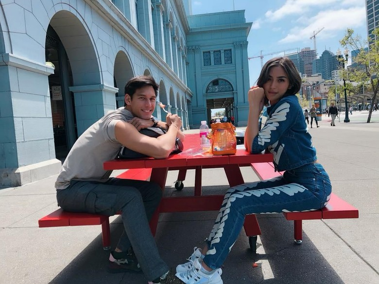 Dilamar Richard Kyle, Jessica Iskandar Berbinar Terus