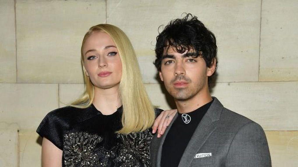 Bungkus Permen dari Pernikahan Joe Jonas dan Sophie Turner Dijual Rp 18 Juta