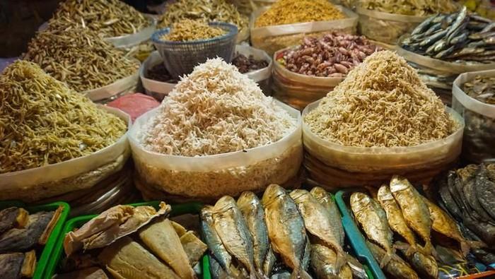 Ikan asin bernutrisi yang menjadi bahan tweetwar Menteri KKP Susi Pudjiastudi dan Ustaz Tengku Zulkarnain. Foto: iStock