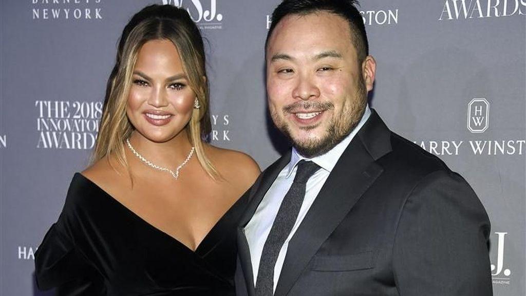 Chrissy Teigen dan David Chang Akan Hadir di Program Masak Baru di Netflix