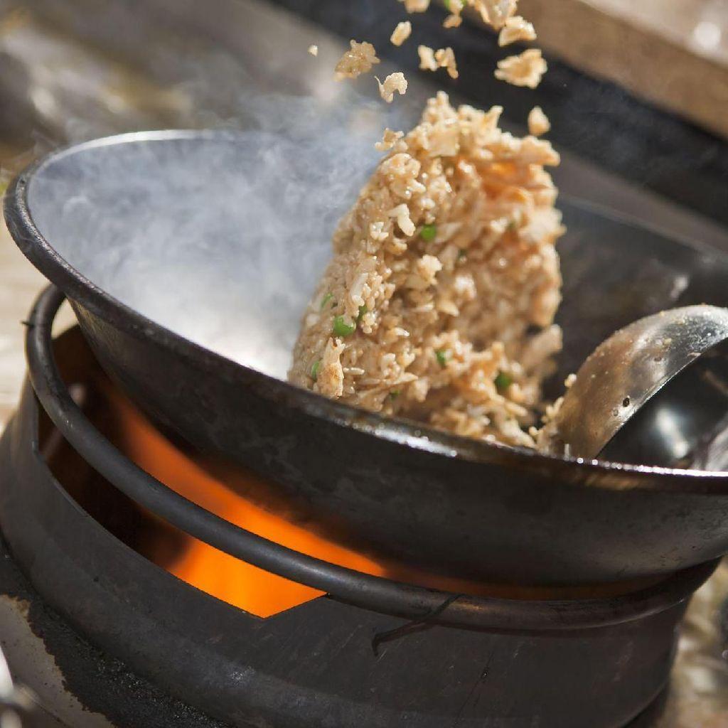Omzet Pedagang Nasi Goreng di Jalan Sabang Naik 20% Imbas Aksi 22 Mei