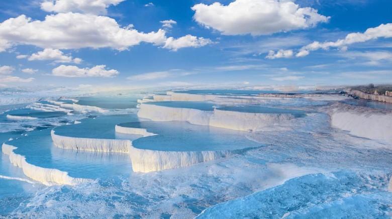 Kolam amukkale di Turki (iStock)