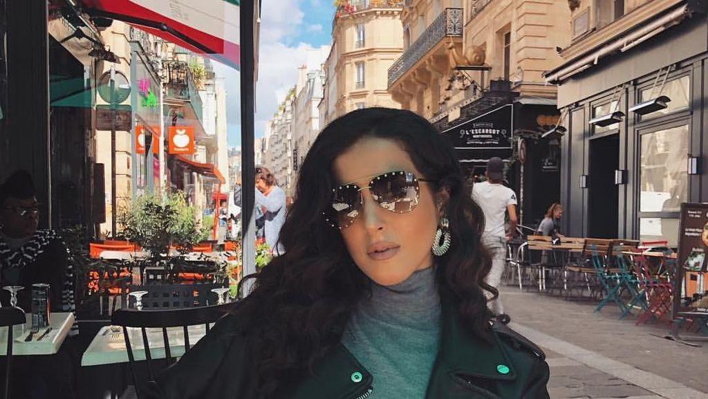 Cantiknya Beauty Vlogger Tasya Farasya Saat Makan Enak