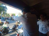 Menhub Keliling Kota Surakarta Naik Kereta Uap